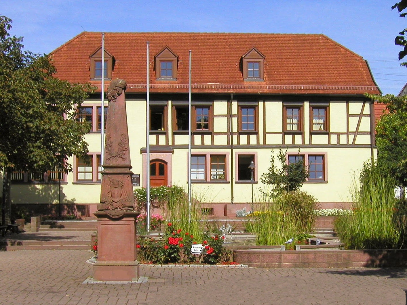 Rathaus Großrinderfeld (09/2002)