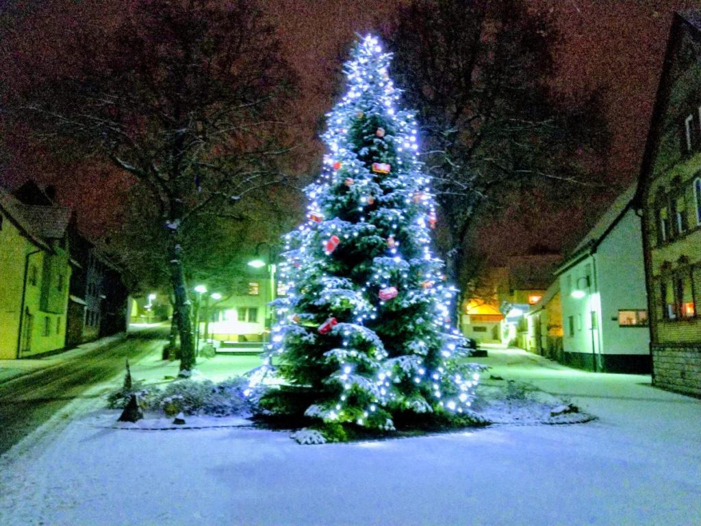 Weihnachtsbaum in Großrinderfeld (2019)