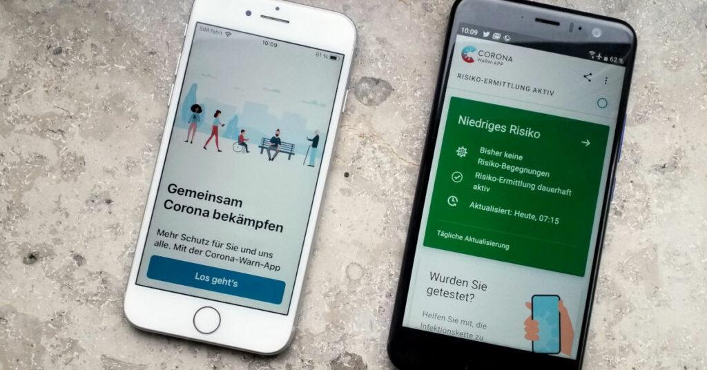 Foto der Corona-Warn-App auf iPhone und Android Handy